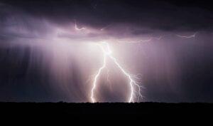 Tormenta eléctrica Qué es, características, cómo se forma, tipos, efectos