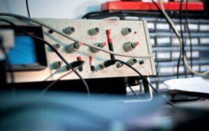 Osciloscopio Qué es, características, tipos, cómo se usa, partes, función