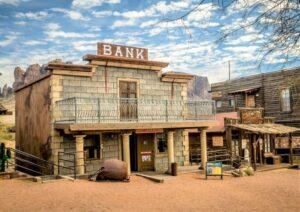 Banco comercial | Qué es, características, origen, funciones, servicios, ejemplos