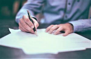 Contrato laboral | Qué es, características, tipos, elementos, para qué sirve