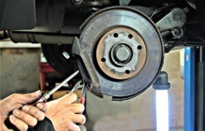 Freno de disco Qué es, características, para qué sirve, cómo funciona, mantenimiento