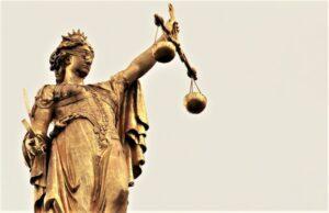 Justicia divina | Qué es, características, origen, tipos, ejemplos