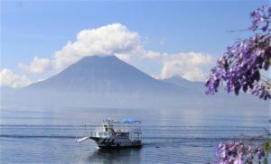 Lago de Atitlán Qué es, ubicación, características, afluentes, fauna, flora
