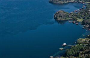 Lago de Coatepeque Qué es, ubicación, características, afluentes, ciudades, fauna, flora