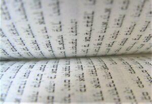 Torá Qué es, origen, historia, interpretación, usos, versiones, importancia