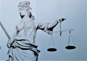 Seguridad jurídica | Qué es, características, garantías, ejemplos, importancia