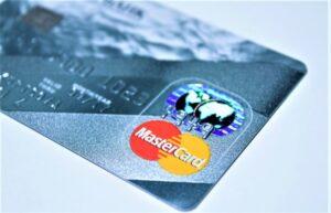 Tarjeta de débito | Qué es, características, tipos, cómo funciona, para qué sirve