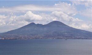 Monte Vesubio | Qué es, características, historia, erupciones, formación