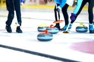 Curling | Qué es, características, historia, fundamentos, reglas, técnicas